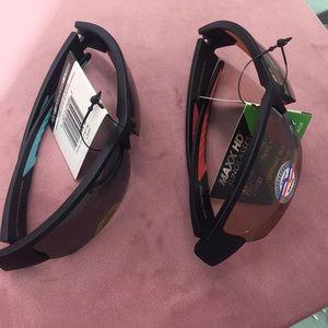 2 pairs of UV400 sunglasses